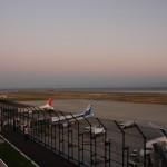 夕暮れの神戸空港