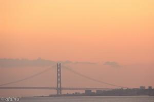 夕焼けの明石大橋
