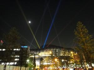 京セラドームと月