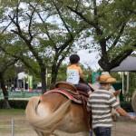 初めてお馬さんに乗ったよ