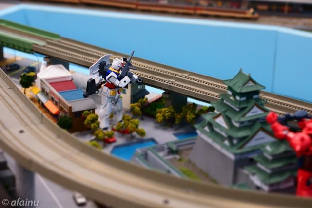 ガンダム大阪に立つ