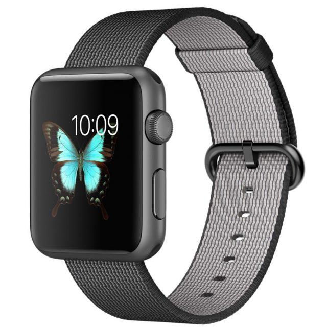 Apple Watch Sport 42mmスペースグレイアルミニウムケースとブラックウーブンナイロン