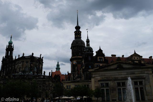 ドレスデン城と教会